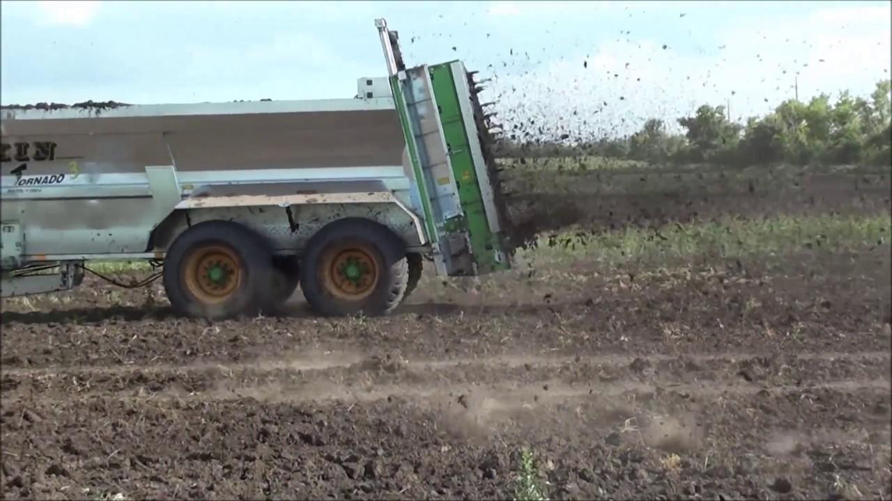 когда вносить компост в почву осенью или весной